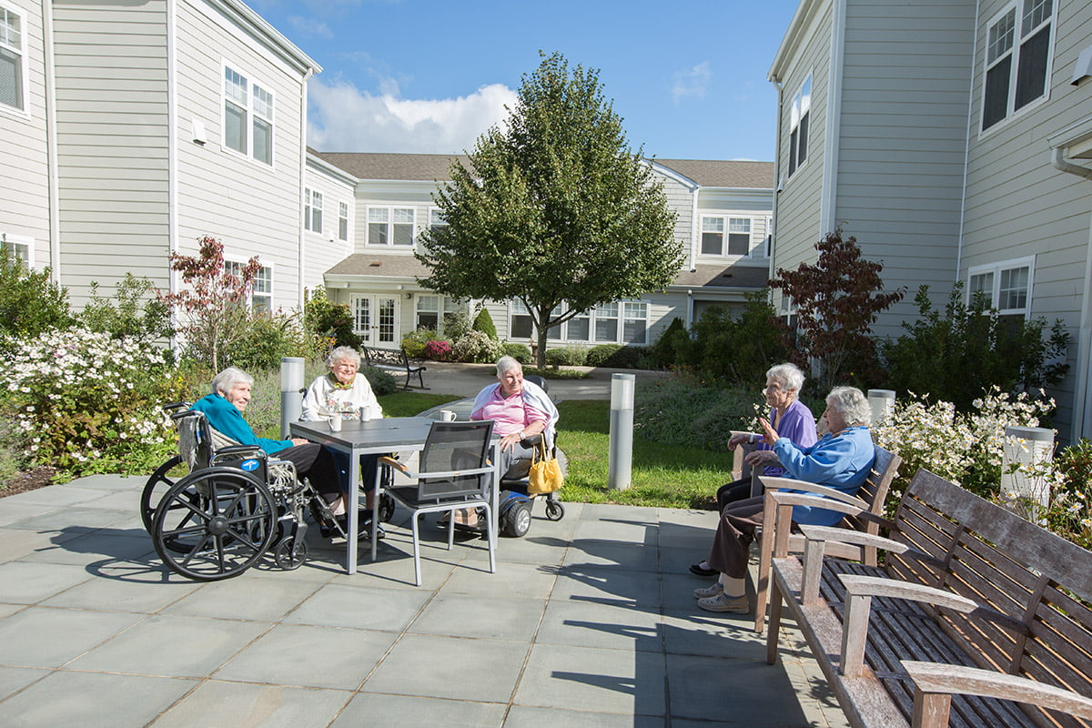 The-Shores-Skilled-Nursing-03