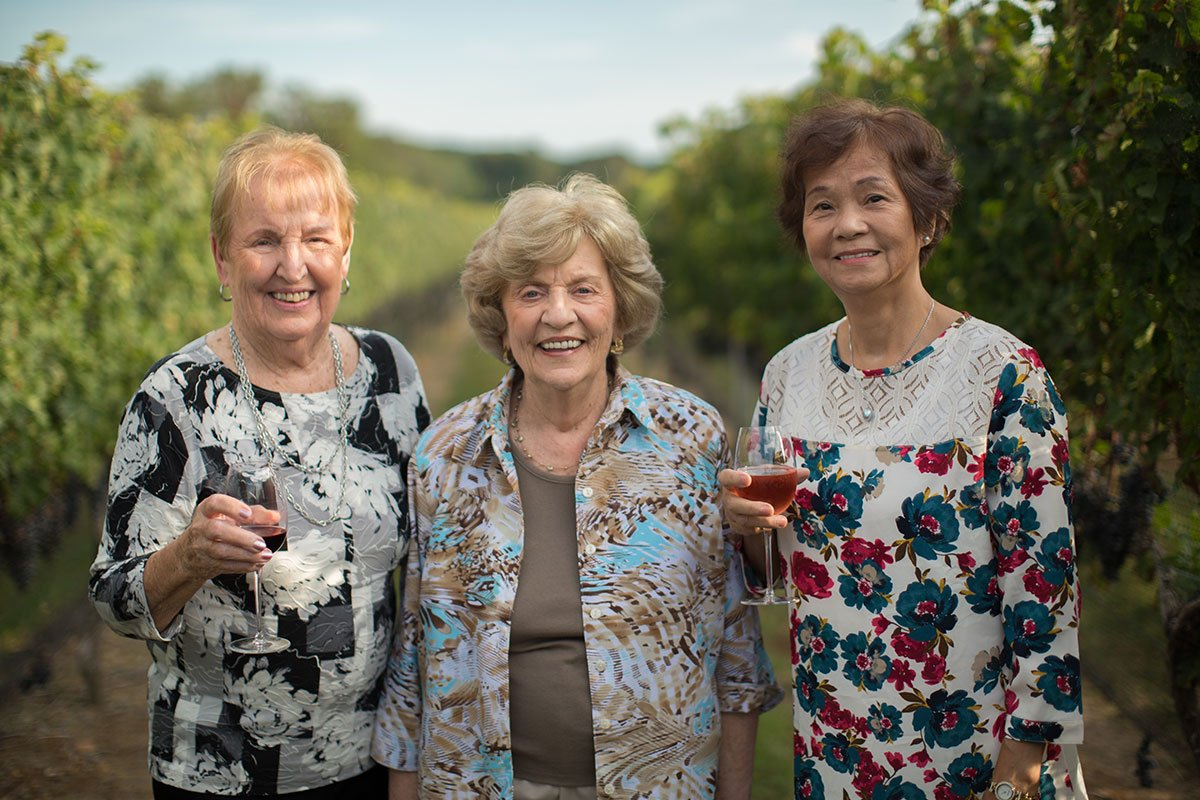 Trio-of-women-in-vineyard